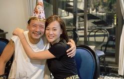 Phương Oanh đón sinh nhật đặc biệt trên phim trường