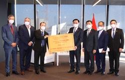 Doanh nghiệp Áo và Việt kiều ủng hộ 1,5 triệu bộ kít xét nghiệm, 30.000 khẩu trang cho Việt Nam