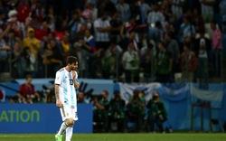 """Messi ngao ngán nhìn đồng đội """"phá game"""""""