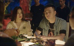 """Hồng Đăng hứng thú với hình ảnh mới """"cắt tóc, đeo khuyên"""" trong Mê cung"""