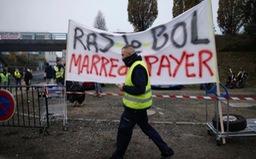 Bộ trưởng Bộ Nội vụ Pháp kêu gọi người biểu tình kiềm chế