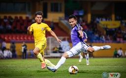 TRỰC TIẾP BÓNG ĐÁ CLB Nam Định 0-1 CLB Hà Nội: Duy Mạnh mở tỉ số cho đội khách (Hiệp một)