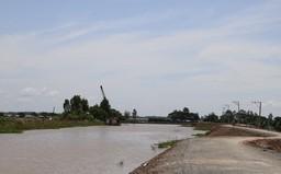 Đồng Tháp khẩn trương nâng cấp đê bao, bảo vệ nhiều diện tích nông nghiệp