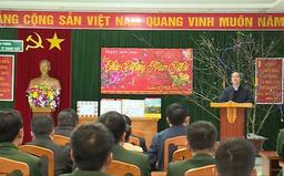 Đồng chí Nguyễn Văn Bình thăm một số cơ sở quân đội tỉnh Hà Giang