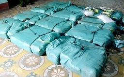 Tạm giữ 11 đối tượng vận chuyển 300kg ma túy đá