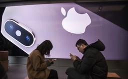 """Apple bị """"kỳ thị"""" tại Trung Quốc: Dùng iPhone là một sự xấu hổ!"""