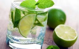 """Những vấn đề sức khỏe chỉ cần """"giải quyết"""" bằng một ly nước chanh"""