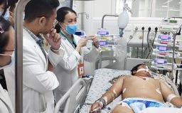 Ngã trầy xước gối, bé trai 14 tuổi bị nhiễm khuẩn huyết toàn thân