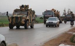 35 xe quân sự Thổ Nhĩ Kỳ vượt biên tiến vào Idlib, Syria