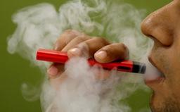 Gia tăng số người trẻ Mỹ tử vong vì thuốc lá điện tử