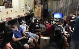 Quán Internet mở cửa cho 10 khách chơi game, bất chấp lệnh giãn cách xã hội