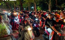 """""""Biển người"""" chơi Trung thu ở Hà Nội: Có đảm bảo an toàn phòng dịch?"""