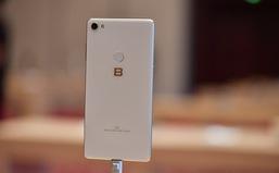 Video trên tay chiếc Bphone 3 và Bphone 3 Pro