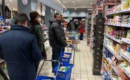 Chỉ số lòng tin của người tiêu dùng Italy xuống đáy vì COVID-19