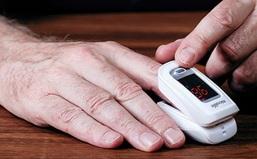 Thận trọng khi mua máy thở và máy đo nồng độ oxy trong máu SpO2