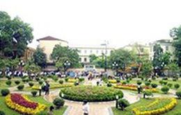 Hà Nội: Gắn biển vườn hoa Trần Quang Diệu