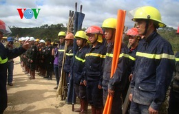 Thưởng nóng 100 triệu đồng cho đội thợ đào lò cứu nạn 12 công nhân