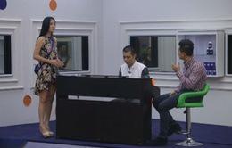 Đức Tuấn hướng dẫn người đẹp Hoa khôi áo dài Việt Nam hát