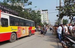 Va chạm với xe buýt, nữ nhà báo bị tử nạn