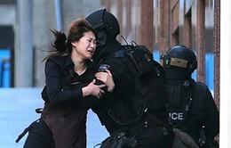 Bắt cóc tại Sydney: 5 con tin hoảng loạn chạy ra ngoài