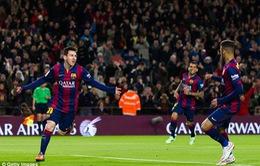 Bạn gái Messi khoe ảnh Giáng sinh lung linh ấm áp