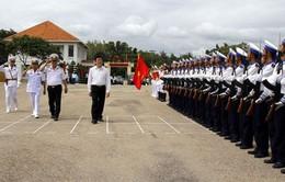 Chủ tịch nước thăm và làm việc với các đơn vị Hải quân