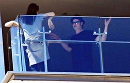 Brad Pitt và Angelina Jolie bất ngờ cãi nhau nảy lửa