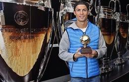 Cristiano Ronaldo nhận giải Cây săn bàn xuất sắc nhất năm