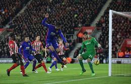 Southampton 1-2 Man Utd: Vinh danh người hùng Van Persie