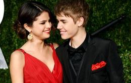 Justin sẽ giành lại Selena Gomez tại AMAs 2014?