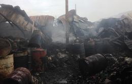 TP.HCM: Cháy lớn thiêu rụi gần 1.000m2 nhà kho chứa phế liệu