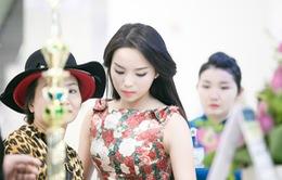 Diện váy hoa xinh đẹp, Hoa hậu Kỳ Duyên nổi bật tại sân bay