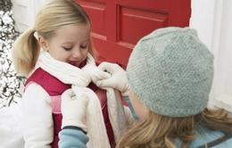 Bí quyết giữ ấm, tránh viêm đường hô hấp cho trẻ khi lạnh giá