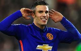 """Đả bại Southampton, Van Persie """"nổ"""" tưng bừng"""