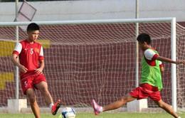 """U19 Việt Nam vất vả luyện binh dưới nắng """"dị"""" Myanmar"""