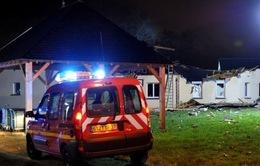 Pháp: Máy bay quân sự rơi, 6 người thương vong