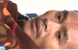 Người chồng mắc ung thư bỏ chữa bệnh vì thương vợ