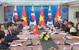 Thủ tướng Nguyễn Tấn Dũng hội đàm với Tổng thống Hàn Quốc