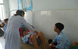 Gia Lai: 17 học sinh nhập viện sau tiêm vaccine Sởi-Rubella