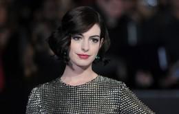 Anne Hathaway tin vào sự tồn tại của người ngoài hành tinh
