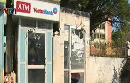 TP.HCM: Giả tập lái ô tô để cướp trụ ATM