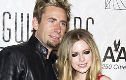 Avril Lavigne lục đục với chồng