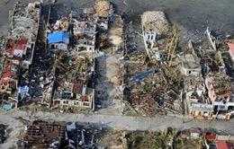 Tacloban một năm sau bão Haiyan: Khó khăn vẫn chất chồng