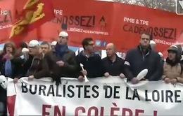 Pháp: DN biểu tình phản đối mức thuế quá cao