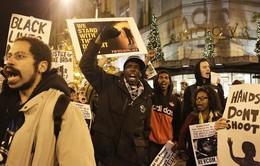 Biểu tình phản đối phán quyết của toà án Mỹ lan rộng trên thế giới