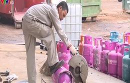 Hà Nội: Tiêu hủy 500 vỏ bình gas giả nhãn hiệu nổi tiếng