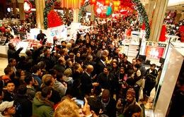 """Mỹ: Các hãng bán lẻ """"tung chiêu"""" hút khách dịp mua sắm cuối năm"""