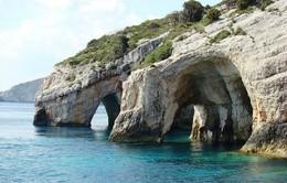 Kỳ thú các hang động màu xanh ở Hy Lạp
