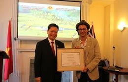 Bobby Chinn đưa ẩm thực Việt ra quốc tế qua các show truyền hình