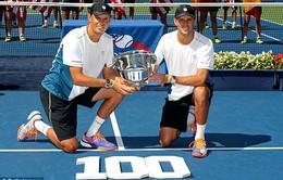"""""""Quái vật hai đầu"""" anh em nhà Bryan đạt kỷ lục 100 danh hiệu"""